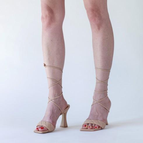 Sandałek nude z troczkami