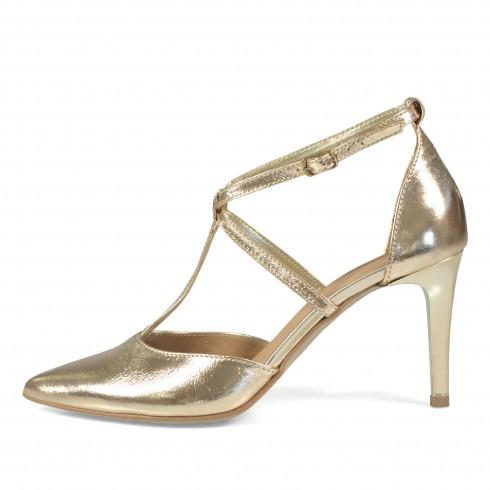 Złoty sandałek z ozdobnymi...